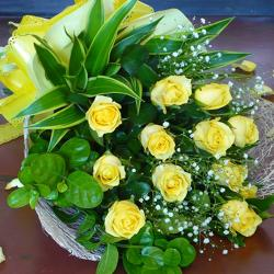 10 Yellow Roses Bouquet for North Goa