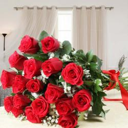 Alluring Red Roses Bouquet for Delhi