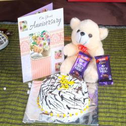 Anniversary Eggless Vanilla Cake with Greeting Card and Dairy Milk Chocolates for Vasco Da Gama