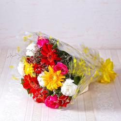Bouquet of Fifteen Assorted Flowers for Bhopal