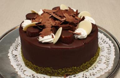 Brown Chocolate Cake for Gurgaon