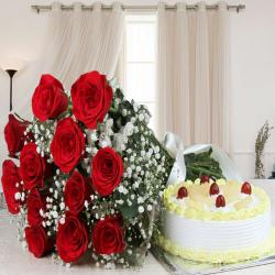 Combo of Roses Bouquet with Pineapple Cake for Ahmedabad