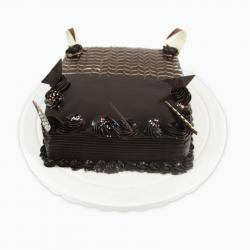 Dark Tempting Chocolate Cake for Mathura
