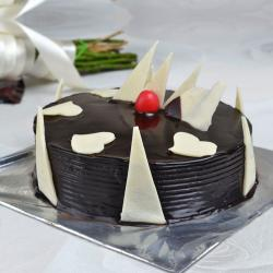 Delicious Dark Chocolate Cake for Kanchipuram