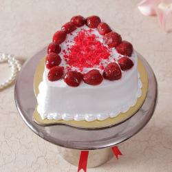 Eggless Heart Shape Strawberry Cake for Ghaziabad