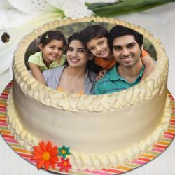 Eggless Personalised Photo Cake for Family for Alappuzha