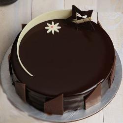 Fresh Cream Chocolate Truffle Cake for Gurgaon