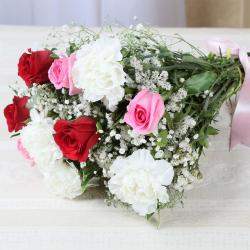 Fresh Roses and Carnations Bouquet for North Goa