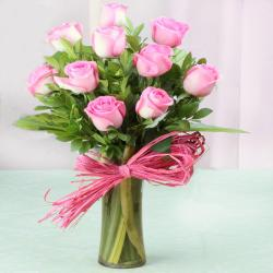 Glass vase of Ten Pink Roses