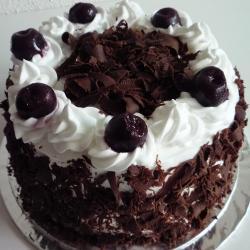 Half Kg Black Forest Cake for Hyderabad