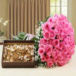 Hand Bouquet Pink Roses with Assorted Dry Fruits for Lucknow