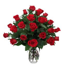 Lovely Red Roses In Vase for Rajahmundry