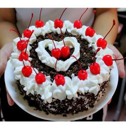 Small Black Forest Cherry Cake for Gurgaon
