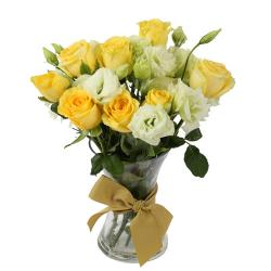 Yellow and White Roses Vase for North Goa