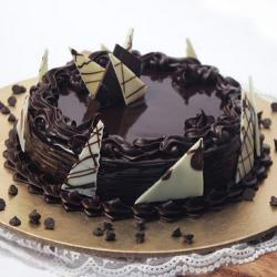 Yummy Chocolate Cake Online for Chandigarh