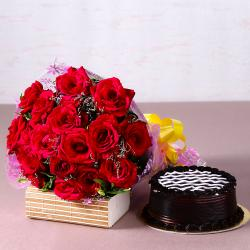 Yummy Chocolate Cake with Bouquet of 20 Red Roses for Agra