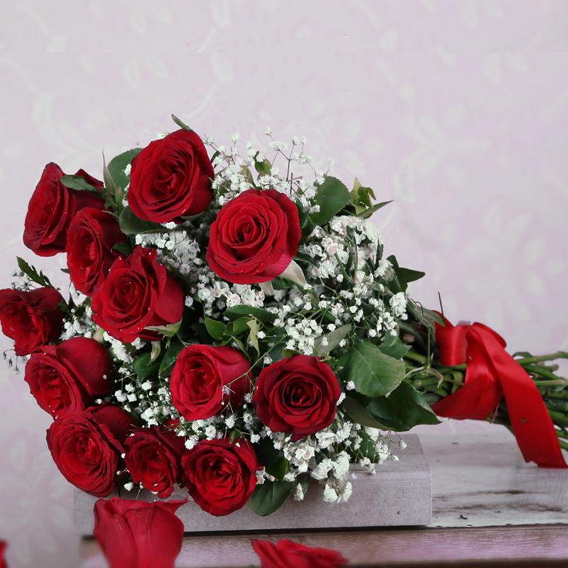 Twelve Red Roses Bouquet Online